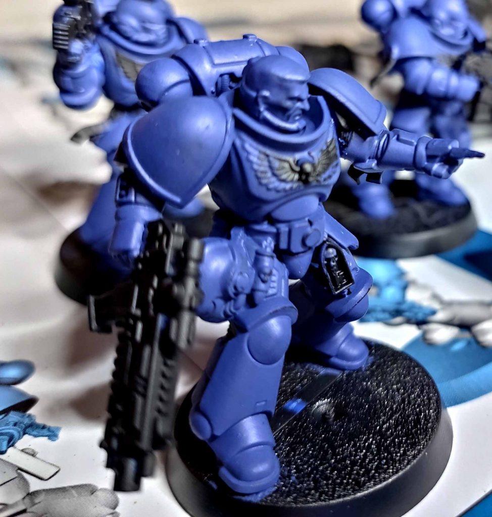 Die Ultramarines sind nun wieder fast blau.