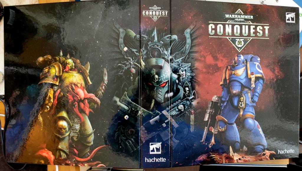 Warhammer 40.000 Conquest Ringordner Aussen aufgeklappt